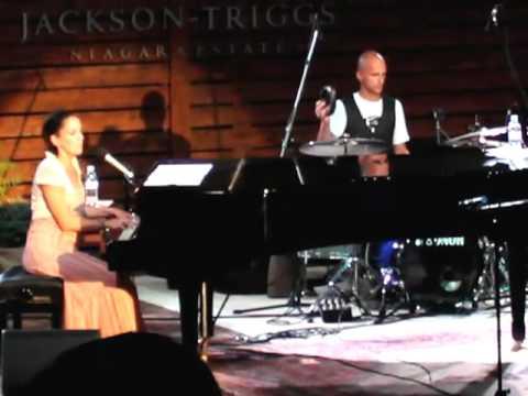 Raine Maida & Chantal Kreviazuk - Bring Back the Sun - Live at Jackson Triggs