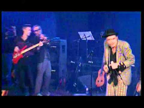 La cabra mecanica - Cancion protesta (Directo 2001)