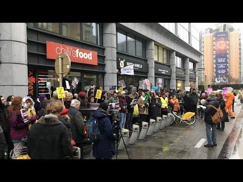 اعتصام أمام السفارة البريطانية ببروكسل للمطالبة بعدم تسليم أسانج للولايات المتحدة…  - نشر قبل 7 ساعة