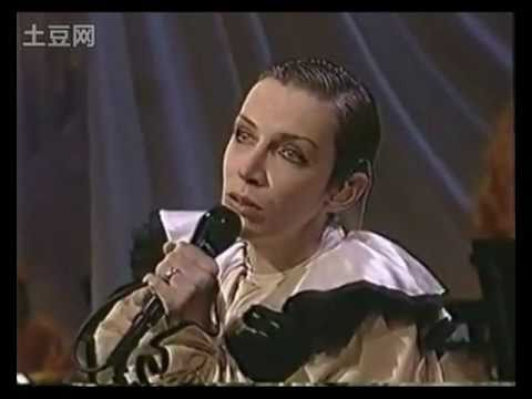 Annie Lennox - A Whiter Shade of Pale (live)