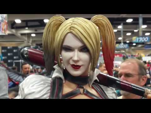 SDCC 2016 DC Sideshow Booth Statue Showcase San Diego Comic-Con 2016
