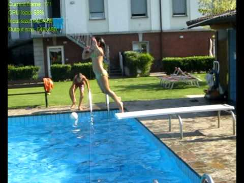 tuffi in piscina youtube