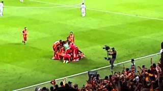 Bjk Maçı Yoğun Tezahürat ve Sneijder'in Enfes Golü | Şampiyon Galatasaray