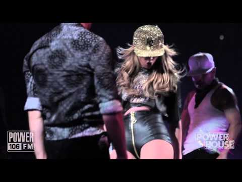 Live Performance: Jennifer Lopez