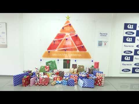 Cruz Vermella entregou este Nadal xoguetes e libros a 615 nenos