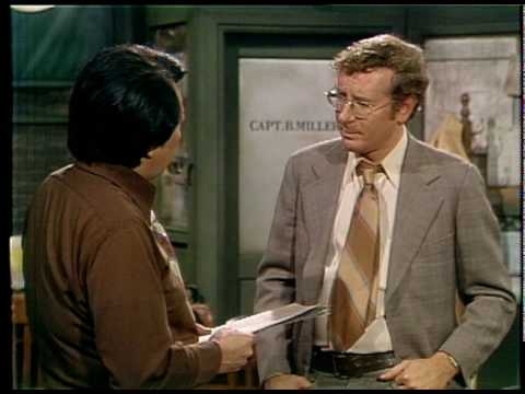 Barney Miller: Dietrich and Yemana discuss... I'm not sure what they're talking about.