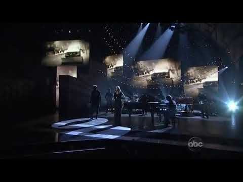 Lady Antebellum - Need You Now (Live CMA Awards)