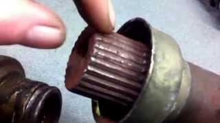 VW Sharan, Ford Galaxy. Приводной вал, Полуось проблема слизаные зубцы(VW Sharan, Ford Galaxy. Проблема приводной вал, Полуось, видео обзор поломки, слизаные зубцы. Машина больше не ехала., 2015-01-14T22:32:47.000Z)