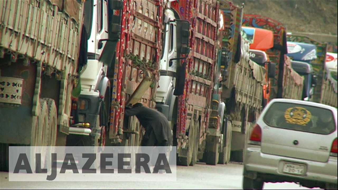 Chaos at Afghanistan-Pakistan border as second crossing closed