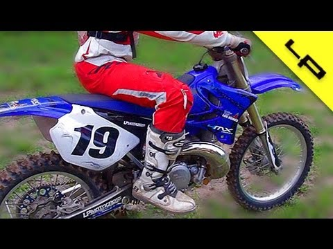 YAMAHA YZ 250 TWO STROKE START UP AND REV | FMF EXHAUST