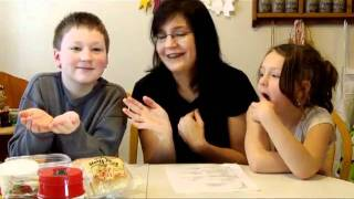 Two Kids Cooking TV: Hot Dogs for &#39Cold Lunch&#39