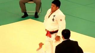 JUDO 加藤博剛 × 石井竜太 (決勝) 全日本柔道2012-429 thumbnail