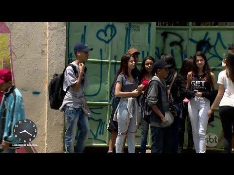SP: Alunos denunciam problemas graves em escolas da rede estadual | Primeiro Impacto (19/10/17)