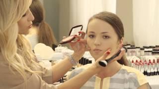 Визуальная коррекция круглой формы лица от Avon(Школа макияжа с Мариной Борщевской и Avon представляют видео мастер-класс по визуальной коррекции круглой..., 2013-08-27T08:44:32.000Z)