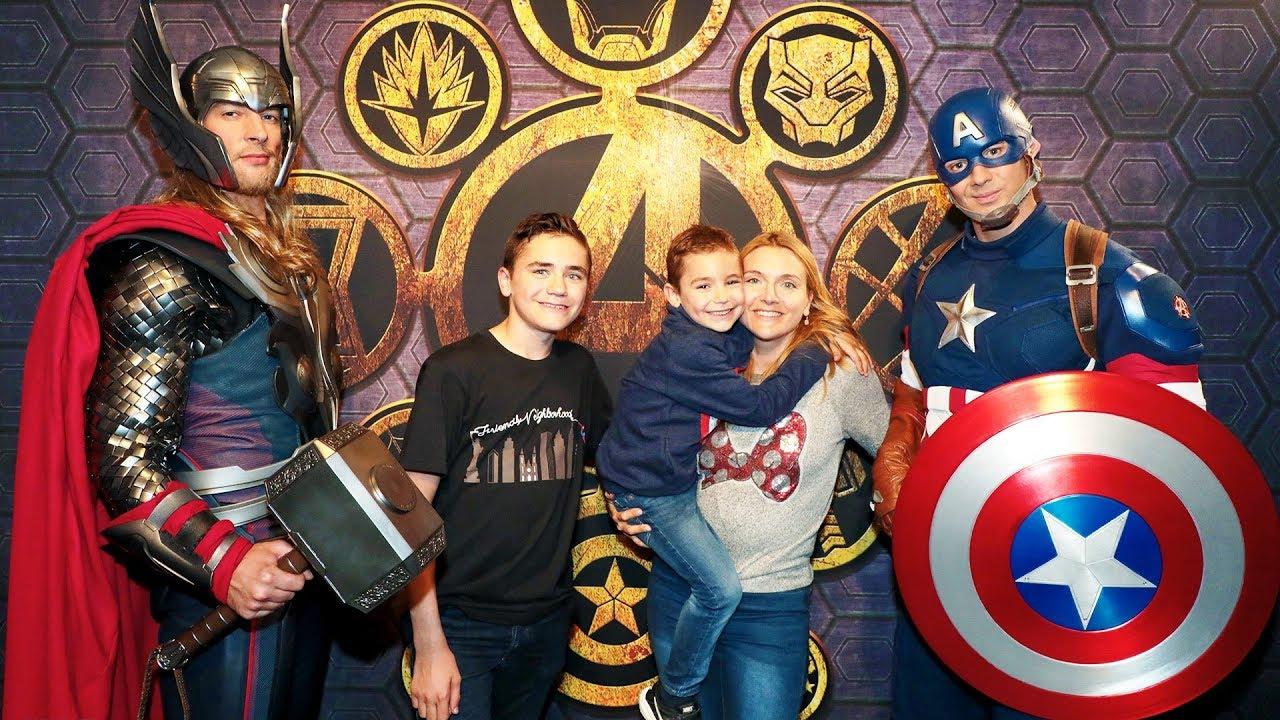 ON RENCONTRE LES PERSONNAGES MARVEL ! - L'été des Super Héros Marvel - Disneyland Paris