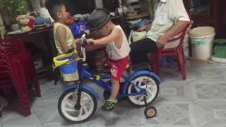 Tuấn Khanh chạy xe đạp friso p2