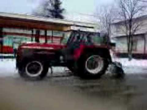 Zetor 121 45 ve sněhu