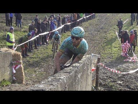 Espeluznante caída de los hermanos Izagirre en un ciclocross