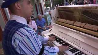 RAGTIME ALAN THOMPSON JR on PIANO AT DISNEYLAND 4K 2160p