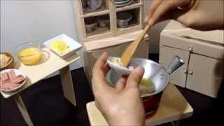 Miniature Cooking: Tiny Scrambled Egg, Sausage & Garlic Bread (tiny Cooking Real Mini Food)
