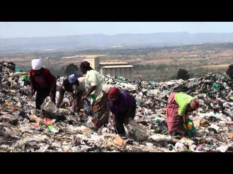 REPLAY: garbage reduction threatens survival of single mothers Kenya