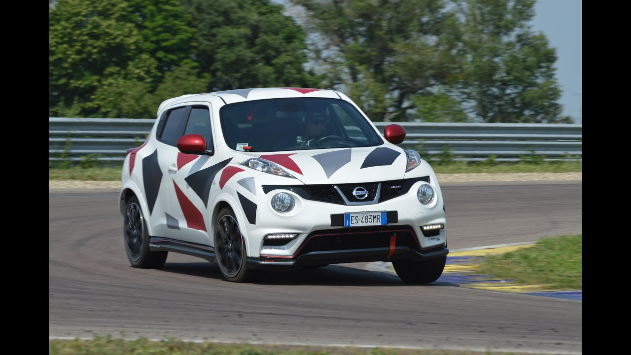 Nissan Juke Nismo w slick tires action on track JCM 2016