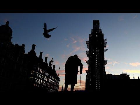 Parliament holds last-minute Brexit debate before deal vote