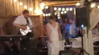 Bride Jessica Sings