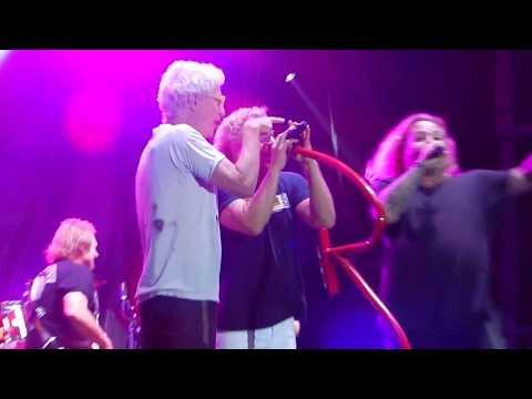 Cort Webber - Vince Neil joins Sammy Hagar on stage for three Motley Crue songs
