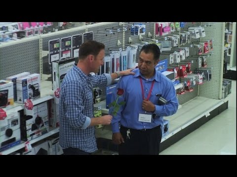 Chris Harrison Goes TV Shopping on '#RepeatAfterMe'