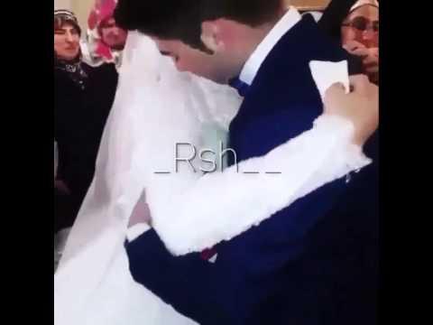 اخ يودع اخته يوم زفافها