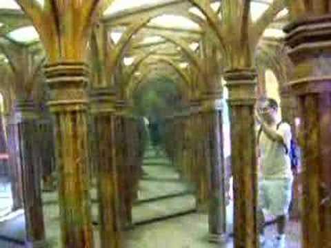 Laberinto de espejos en praga youtube - Espejos para apartamentos ...