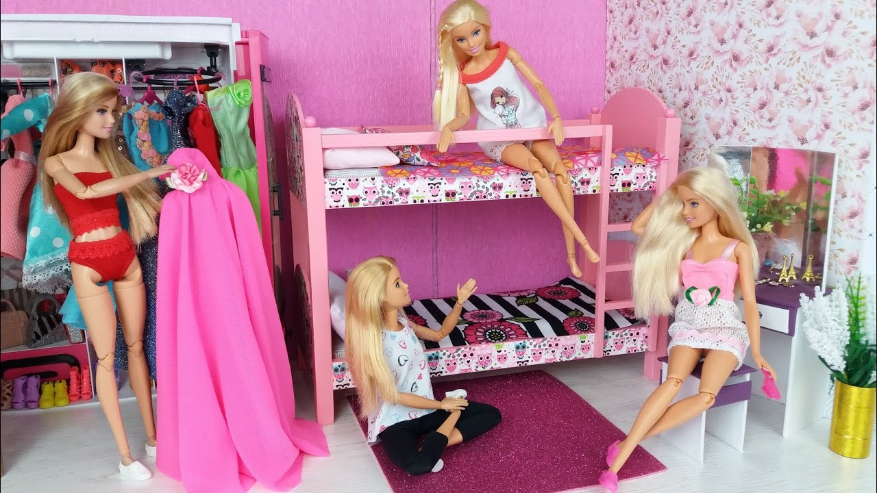 four barbie dolls morning bedroom bunkbed routine life in