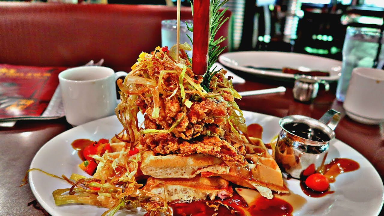 Trying TWISTED FARM FOOD At Orlandou0027s Hash House A GO GO!