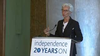 IMF Director Drops 1-Hour Bombshell Speech at English Bankers Party
