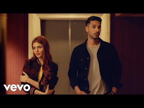 Aaya Na Tu ( Official Music Video ) - Arjun Kanungo, Momina Mustehsan   VYRL Originals