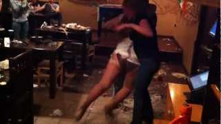 Molly Malone's пьяные танцы в торте
