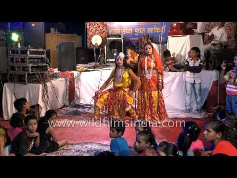 'Are Dwarpalo Kanhaiya Se Kehdo' - Krishna Bhajan