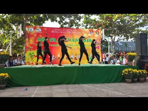 múa dân vũ + nhảy hiện đại 10A2