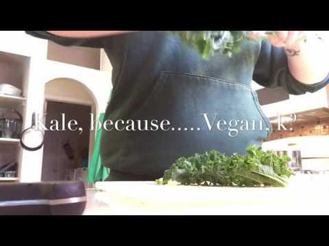 Easy VEGAN Potato Broccoli Soup!