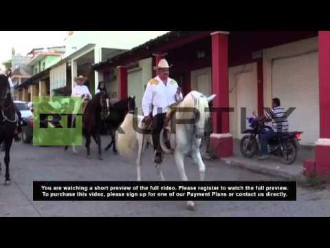 Mexico: 'Papa Smurf' commemorates uprising against Knights Templar cartel