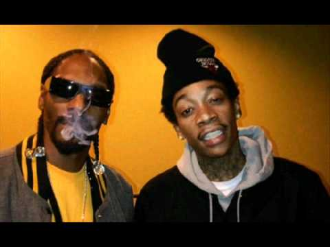 Smokin' On - Snoop Dogg & Wiz Khalifa Ft Juicy J