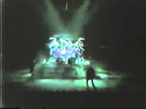 When The Lights Go Down - Live, Montreal Forum 1985