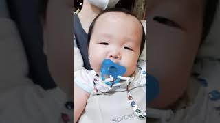 [노리이빨]#11개월아기 밤마실 밤공기 산책 나와서 아…
