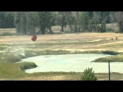 US army helicopters battle wildfires in Washington