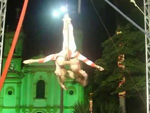 Duo Aerial Hoop Grupo Só Arte (circus) Sabrina Santiago e Victoria Marchi