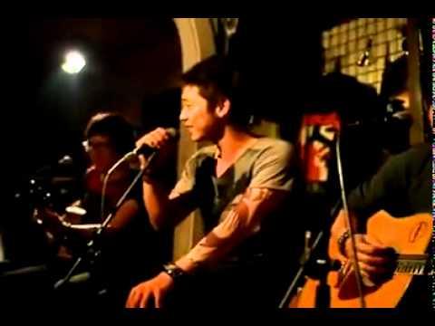 """""""cát bụi"""" - anh chàng giả giọng 13 ca sĩ [www.nhacbay8.com]"""