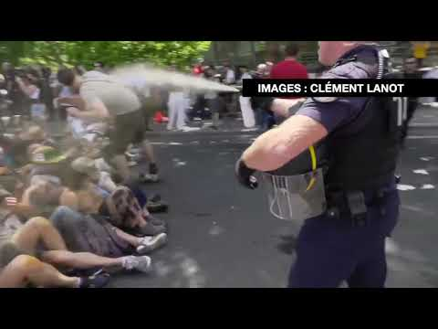 Könnygázzal fújták le a békés klímatüntetőket Párizsban