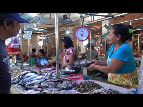 The market of Balaoan (Luzon - Philippines)