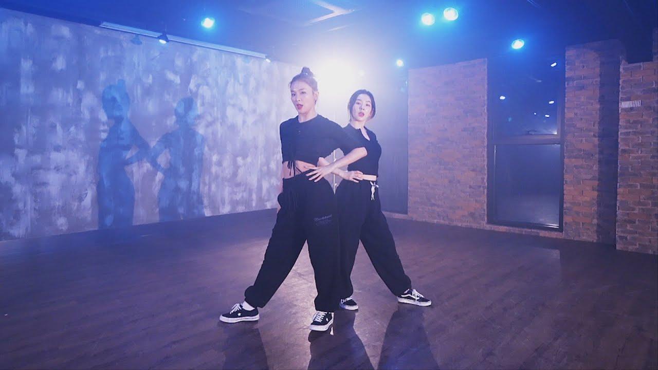 Red Velvet  IRENE u0026 SEULGI  Naughty Choreography Video
